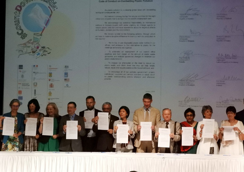 Effort des partenaires internationaux pour la lutte contre la pollution plastique au Vietnam
