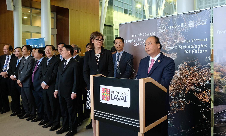 Le PM Nguyên Xuân Phuc visite l