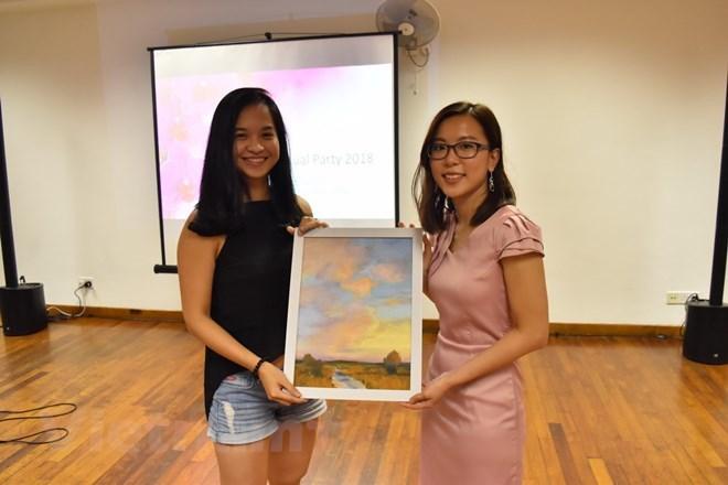 Des centaines élèves démunis du Vietnam reçoivent la bourse Hoa Phong Lan de Singapour