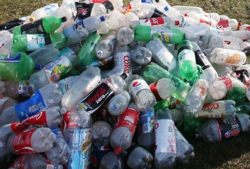 Effort conjoint des partenaires internationaux pour la lutte contre la pollution par le plastique au Vietnam