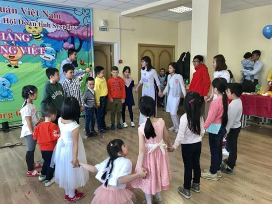 Ouverture d'une classe de vietnamien pour les Vietnamiens en Russie