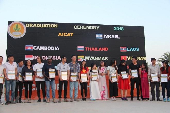 Des étudiants vietnamiens formés en agriculture en Israël