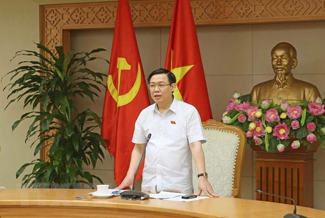 AN: le vice-PM Vuong Dinh Hue présente un rapport d'explication
