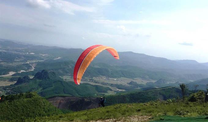 Le championnat de parapente de l'Année nationale du Tourisme 2018 s'ouvre à Quang Ninh