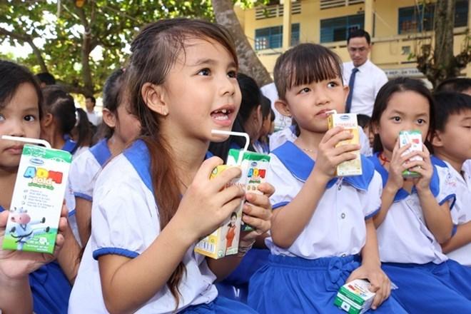Ha Nam lance son programme 2018-2020 de distribution de lait dans les écoles