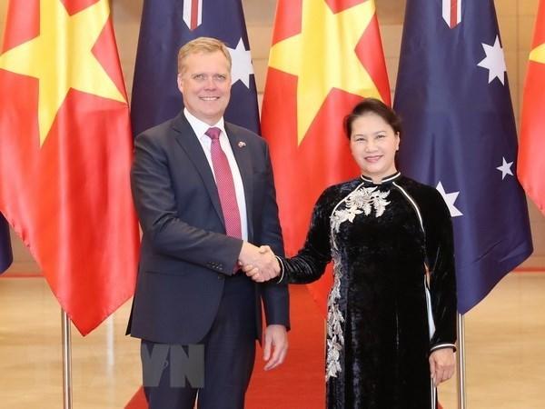 Entretien entre Nguyên Thi Kim Ngân et Tony Smith à Hanoi