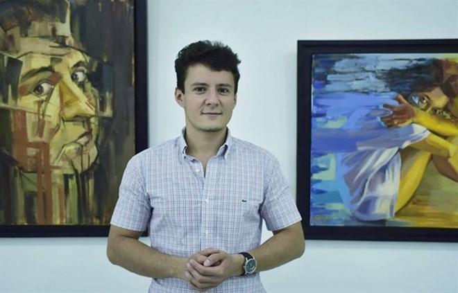 Un peintre roumain présente ses expériences au Vietnam