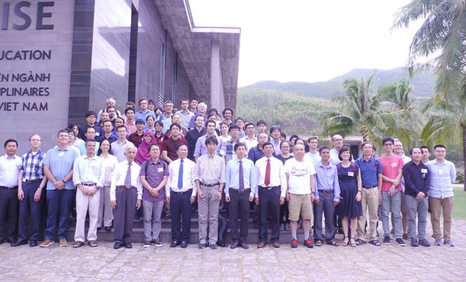 Près de 100 scientifiques à des conférences internationales de physique à Quy Nhon