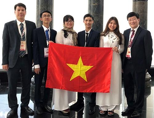 Des lycéens vietnamiens remportent l