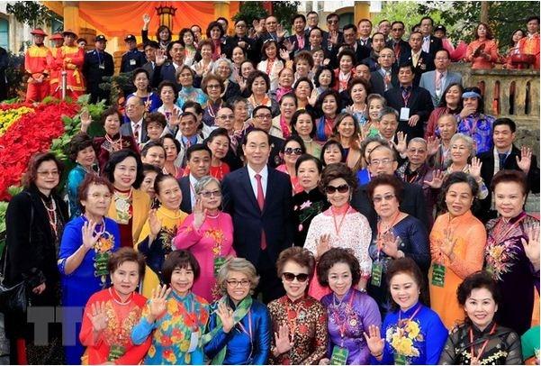 Les compatriotes vietnamiens à l'étranger contribuent au développement national