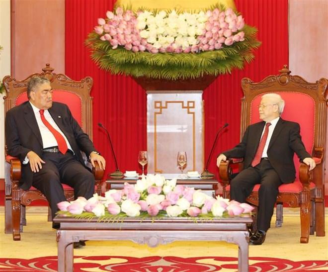 Le secrétaire général Nguyên Phu Trong reçoit un dirigeant de la République dominicaine