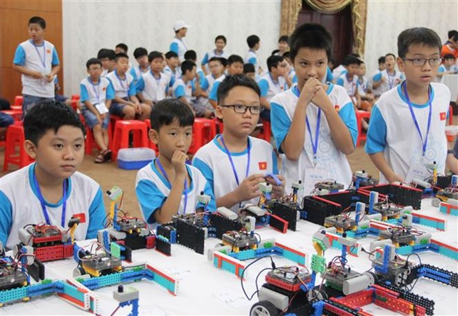 Concours international de robotique des jeunes 2018 à HCM-Ville