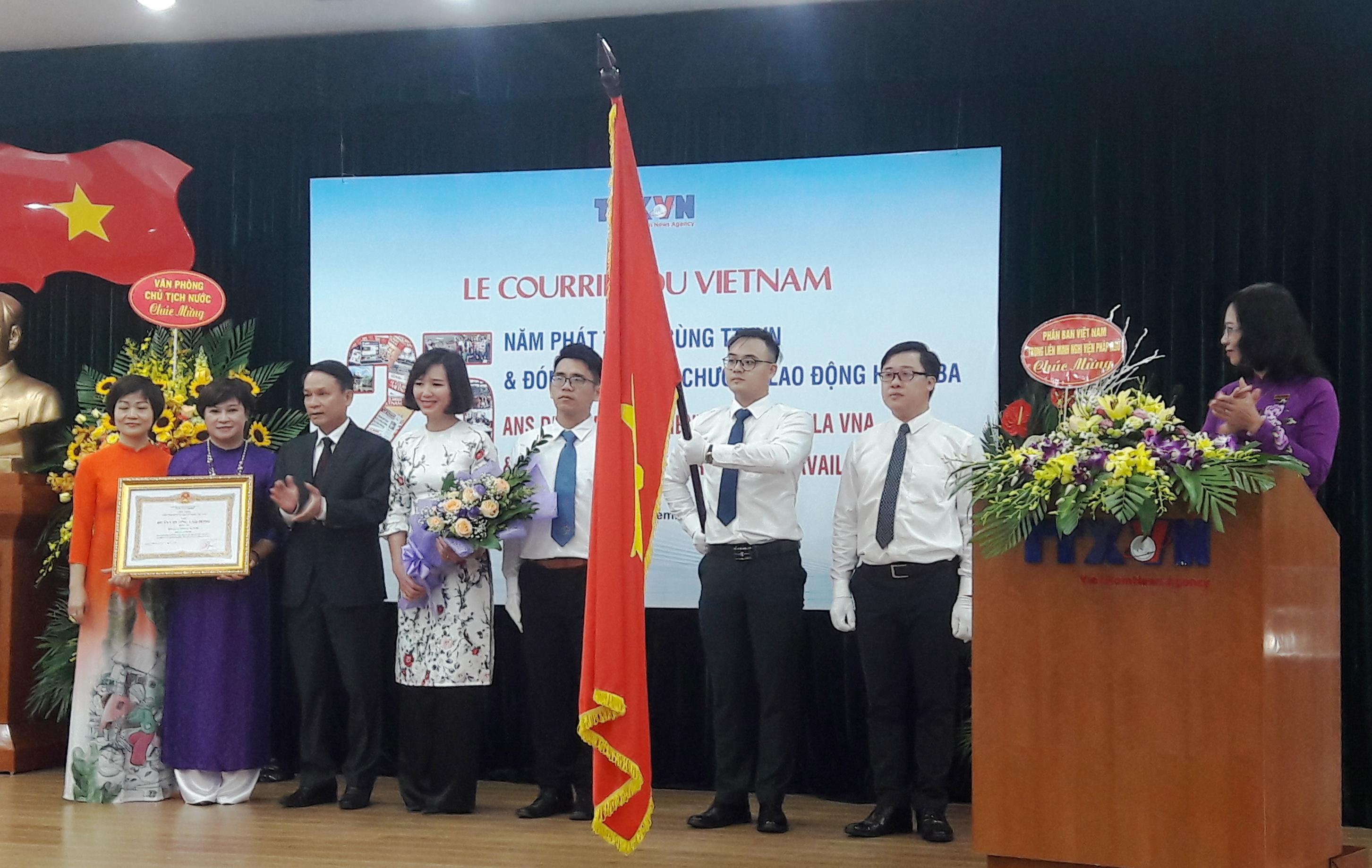 Le Courrier du Vietnam - 25 ans au sein de l