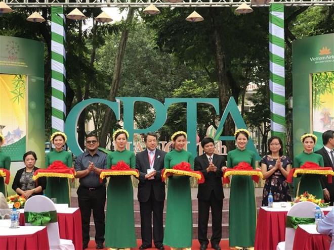 Des villes asiatiques à une exposition sur le tourisme à Hanoi