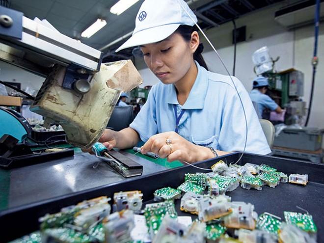 Ordinateurs et produits électroniques: la Chine devient le 1er marché à l'export du Vietnam