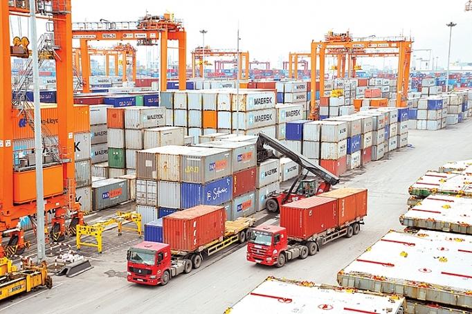 9 mois: l'excédent commercial au-delà des prévisions