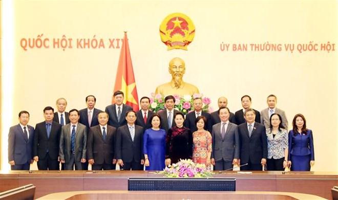 La présidente de l'Assemblée nationale félicite les ambassadeurs