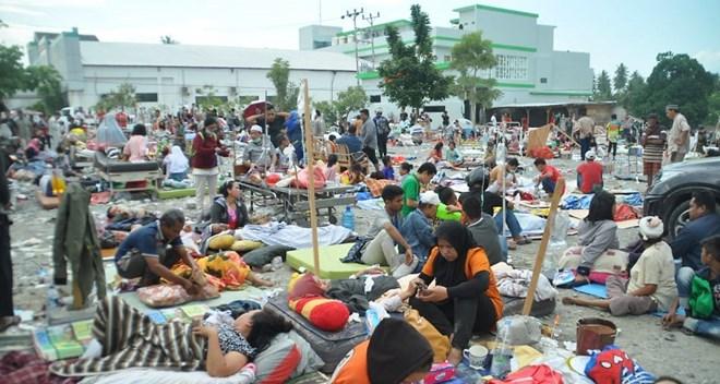 Séisme en Indonésie: le président Widodo inspecte les opérations de secours