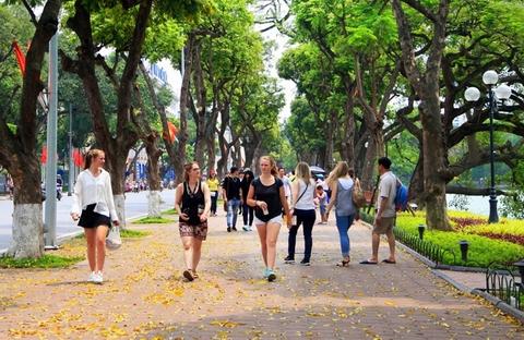 Le Vietnam accueille 12,8 millions de touristes étrangers en 10 mois