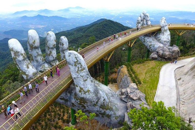 The Guide Awards 2018 : le pont d'or (Ba Na Hills - Da Nang) remporte le prix spécial