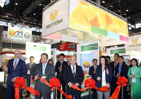 Présentation de produits bio vietnamiens au Sial Paris 2018