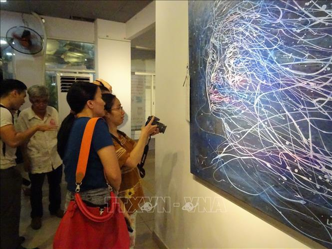 """Ouverture de l'exposition franco-vietnamienne """"Rencontre 2018"""" à Ho Chi Minh-Ville"""