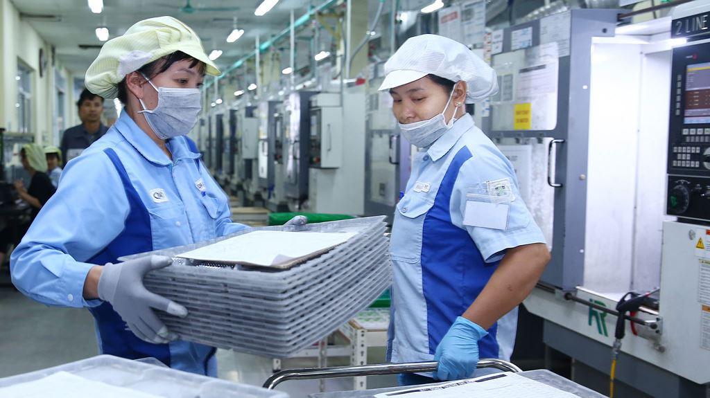 Le Vietnam attire plus de 30 milliards de dollars d'IDE en 11 mois