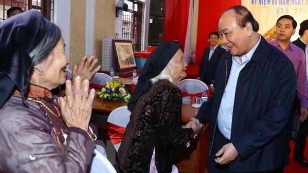 Le PM Nguyên Xuân Phuc assiste à la Fête de la grande union nationale de Bac Giang