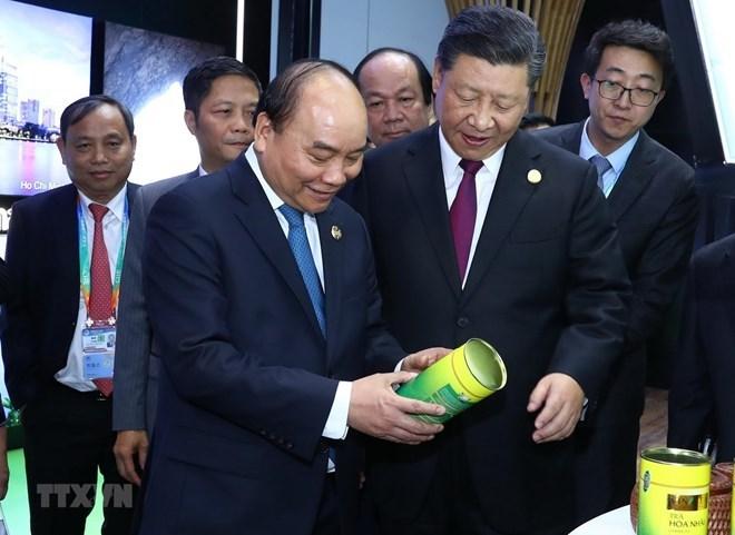 Le PM Nguyen Xuan Phuc termine son voyage à Shanghai pour la CIIE 2018