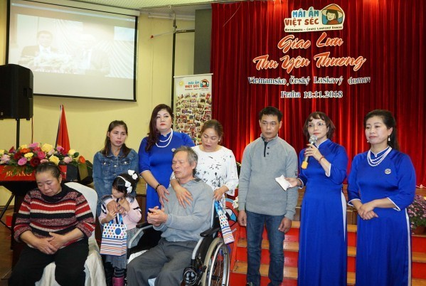 Une association philanthropique au sein de la communauté des Vietnamiens en R. tchèque