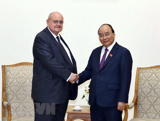 Le PM Nguyen Xuan Phuc reçoit l'ambassadeur brésilien