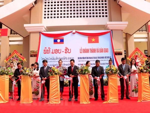 Laos: Inauguration d