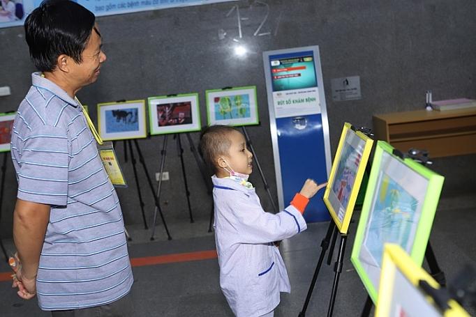 """L'exposition """"Green Hope"""" au chevet des patients pédiatriques"""