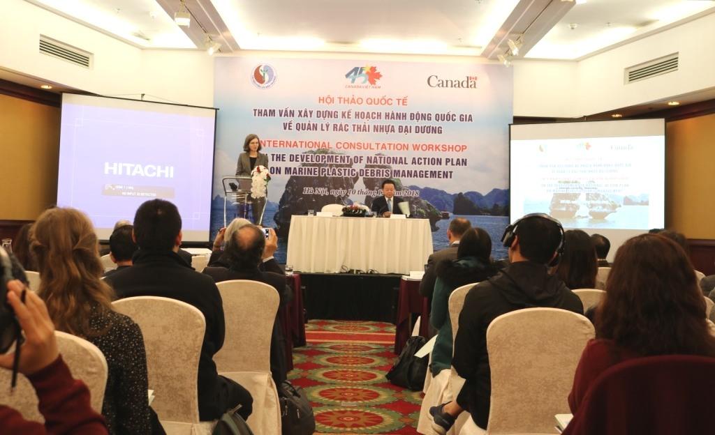 Le problème des déchets plastiques en mer au cœur d'un colloque à Hanoi