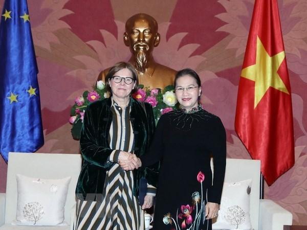 La présidente de l'AN reçoit la vice-présidente du Parlement européen