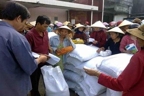 Têt lunaire 2019: octroi de riz aux populations démunies