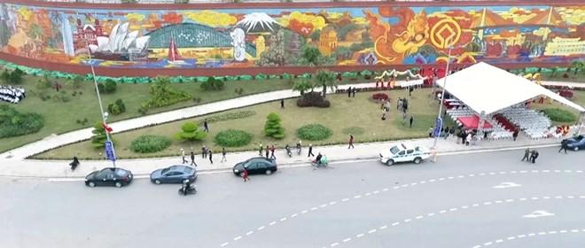 Inauguration de la fresque en céramique la plus grande du Vietnam à Quang Ninh