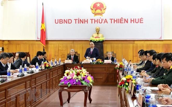 Le PM inspecte les préparations du Têt à Thua Thiên-Huê