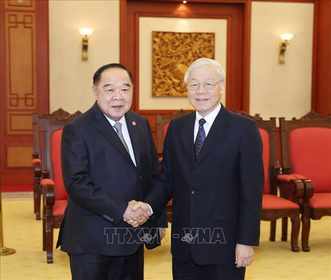 Le leader du PCV reçoit le vice-PM et ministre thaïlandais de la Défense