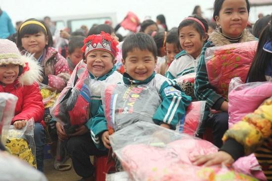 6,3 milliards de dôngs pour assister des familles nécessiteuses d