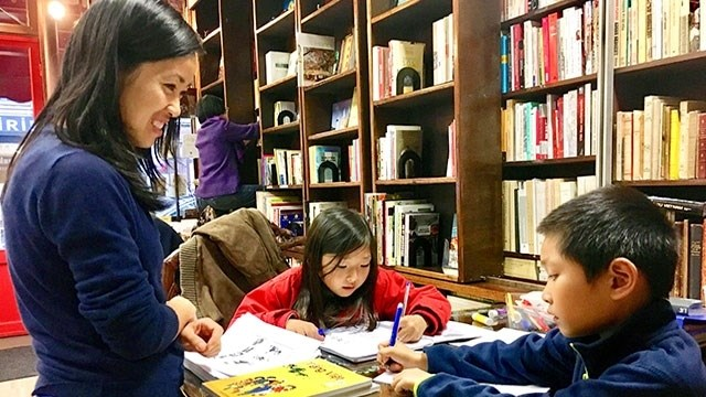 Les jeunes Vietnamiens à l'étranger s'orientent vers leur pays d