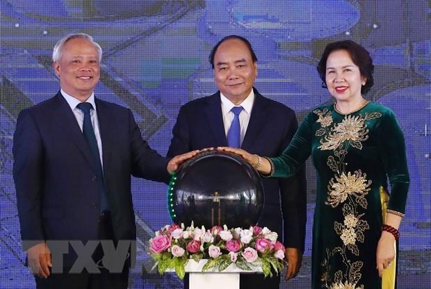 Le Premier ministre assiste à l'inauguration de l'entrepôt et du terminal pétroliers DKC Petro