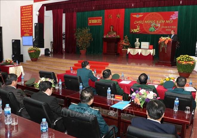 Le PM Nguyen Xuan Phuc se rend à la division de l