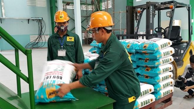 Deux tiers du volume d'engrais du Vietnam exporté en Asie du Sud-Est