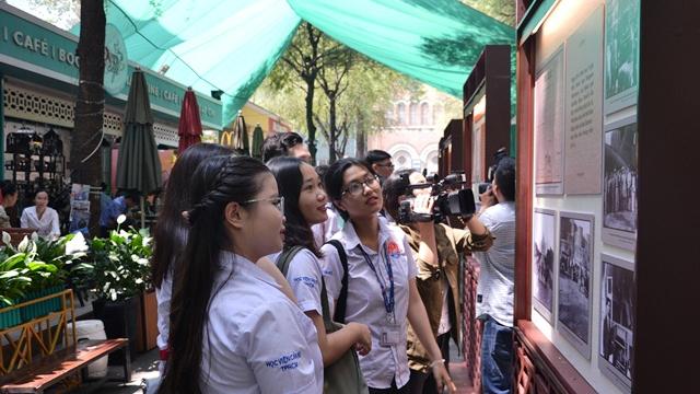 Exposition sur la visite de la première délégation de l'Assemblée nationale vietnamienne en France