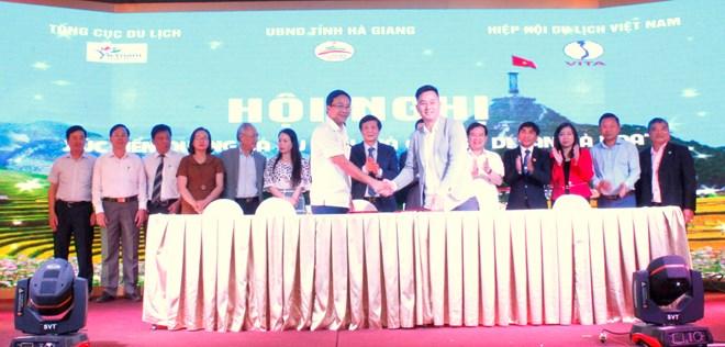 Ha Giang promeut son tourisme dans la région Centre