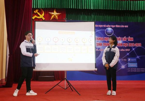 Des projets de lycéens de Lao Cai choisis pour le salon international des sciences et technologie Intel