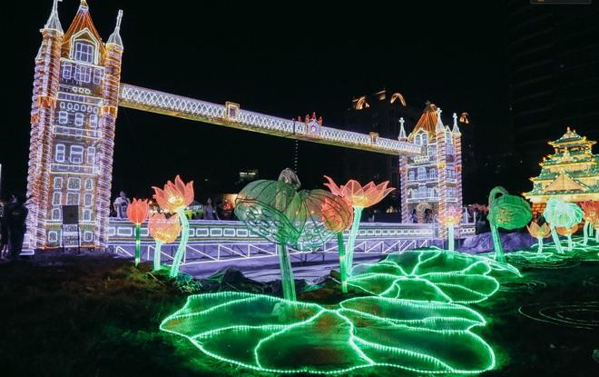 La première Fête des lumières à Hô Chi Minh-Ville