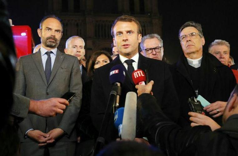 """""""Nous rebâtirons Notre-Dame"""", assure Emmanuel Macron"""