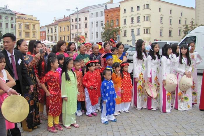 Les Viêt kiêu de R. tchèque, un brillant exemple de solidarité et d'amour pour le pays natal